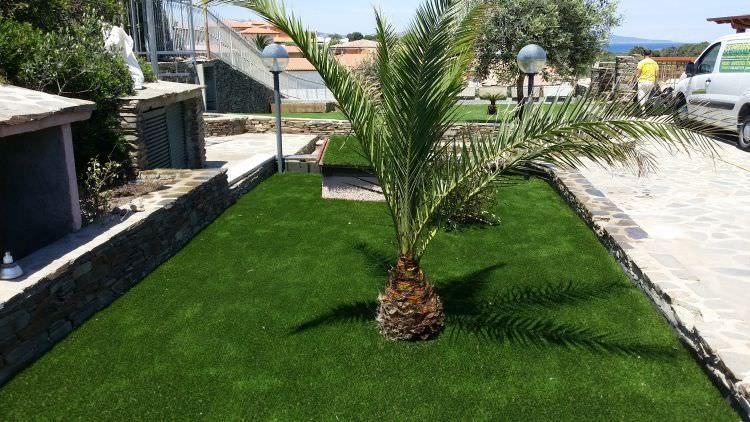 prato in erba sintetico finito, Stintino, Sassari