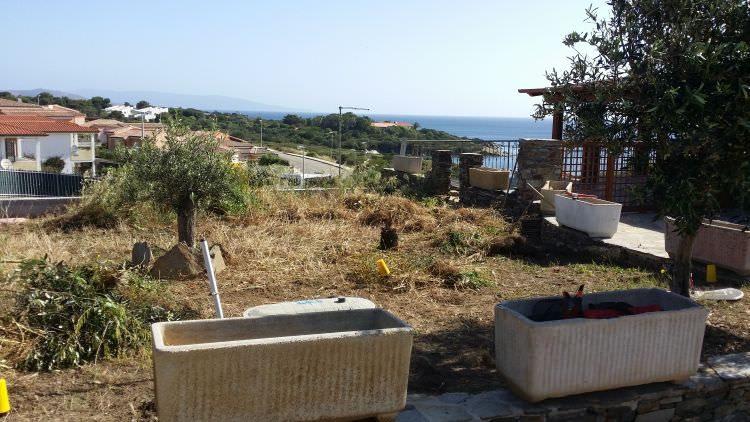 giardino a Stintino dove verrà posato il prato in erba sintetica