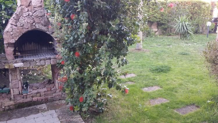 altra foto del giardino privato a Sassari dove sarà posato il prato sintetico