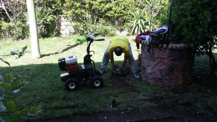 preparazione giardino per posa prato sintetico