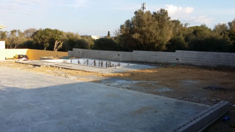piscina in costruzione Sassari